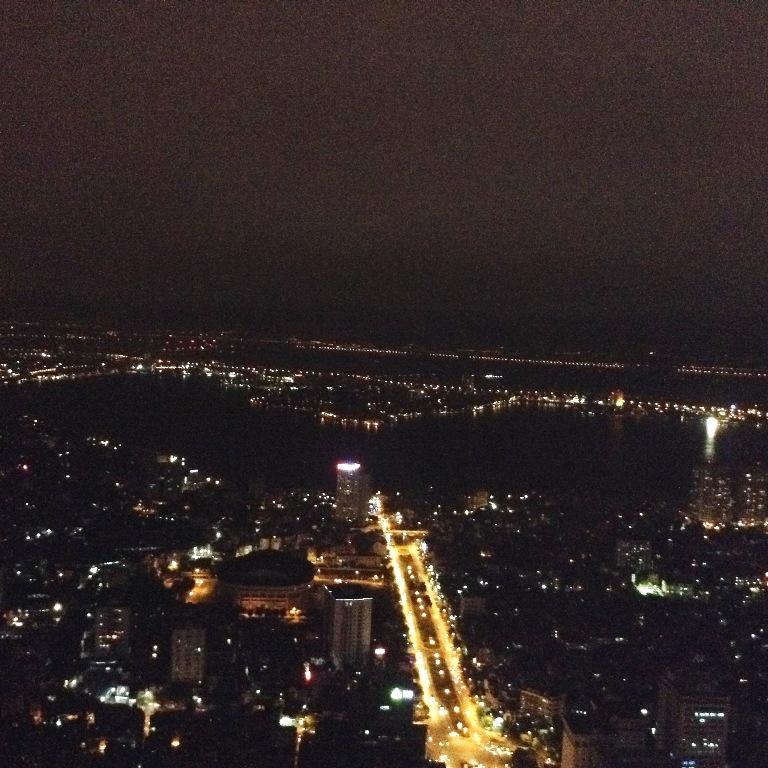 タイ湖の夜景