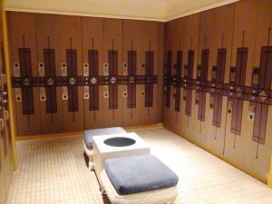サウナ、ジャグジーのロッカールーム