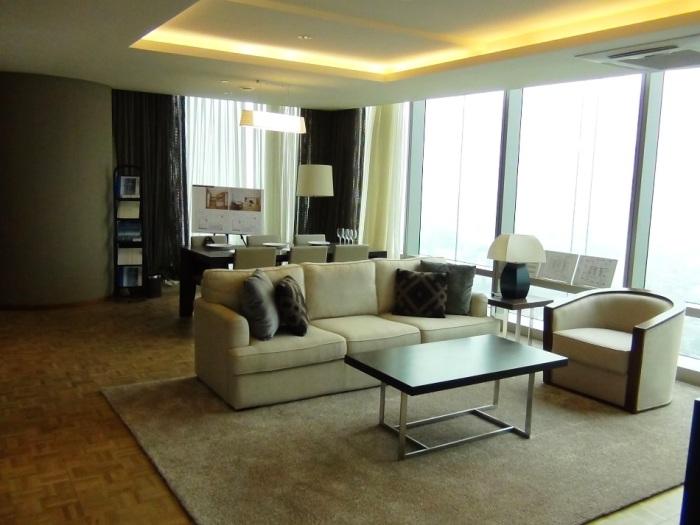 今回お客様にお勧めした3ベッドルーム(VIP)のリビング風景