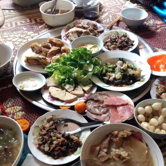 ベトナムの人達は家族総出でお正月料理を作ります