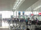 ノイバイ空港にて