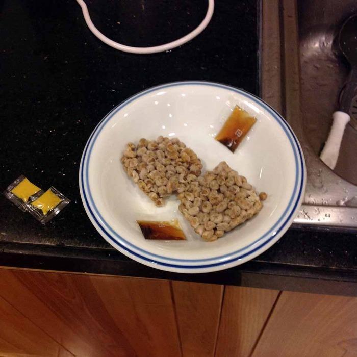 隠し味に納豆を使います