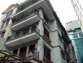 5階建てで1フロアは約60㎡。部屋は8部屋あります