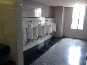 トイレの汚れは日系企業は許しません