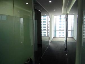 オフィス内の専用廊下