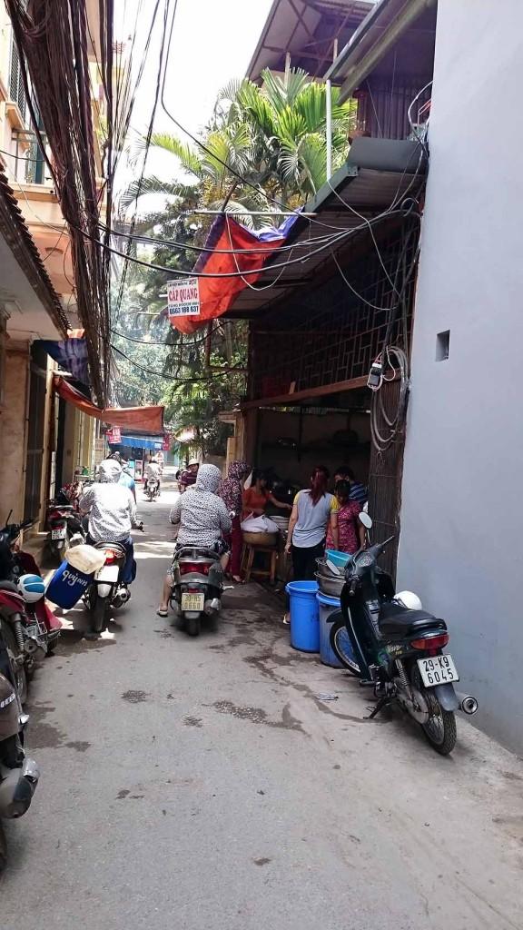 これが「Bun Cha Ba Dang」の店構えです