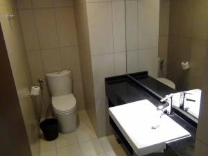 玄関に近い場所にゲスト用の洗面スペース