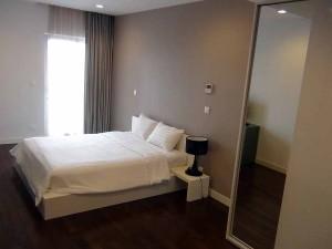 11階の2bedのメインベッドは仕切りが無く広々としています
