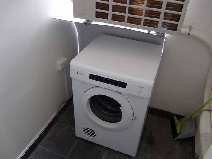 乾燥機は洗濯機とセパレートです