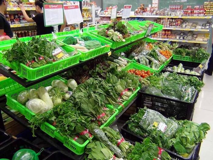 野菜が豊富においてあります(Vin Mart)