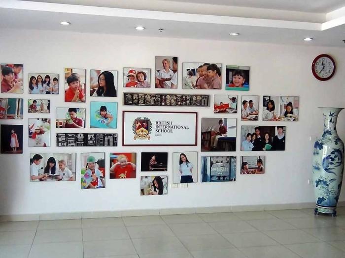 ベトナムにあるBritish International School「大きな壺と写真が対照的です」