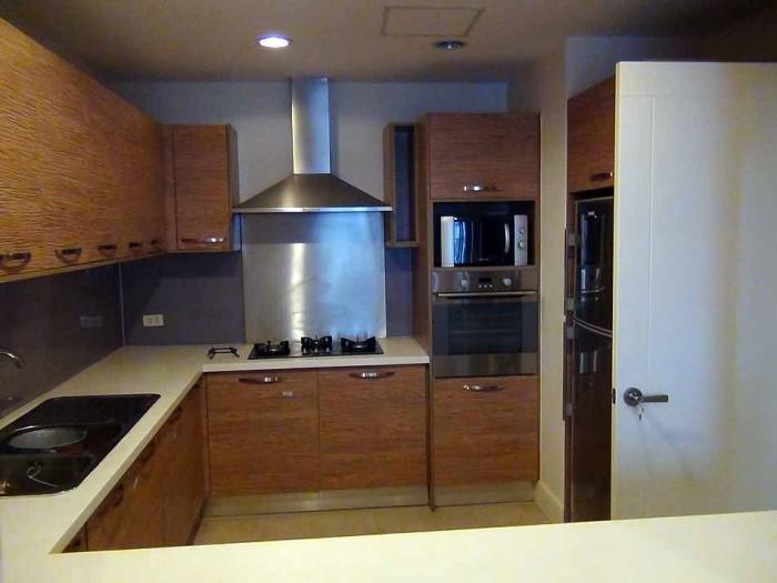 カウンターキッチン「使いやすい広さです」