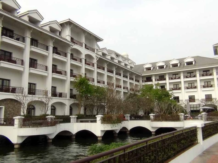 INTERCONTINENTAL HANOI WESTLAKE本館