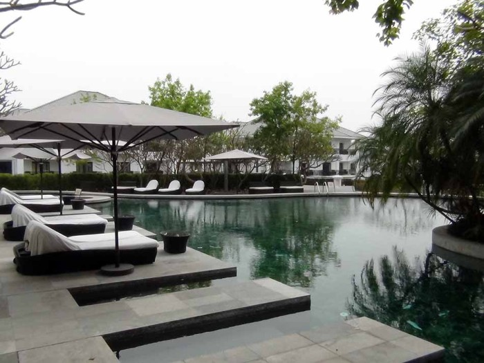 INTERCONTINENTAL HANOI WESTLAKEのプールは屋外です