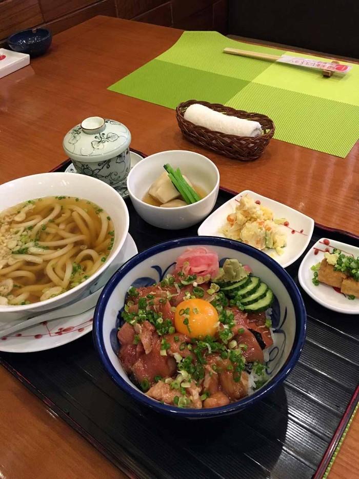 和食レストランのレベルを図るのは常に「鉄火丼」。ここは私が思うに最高です!