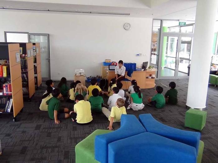 図書館内での授業