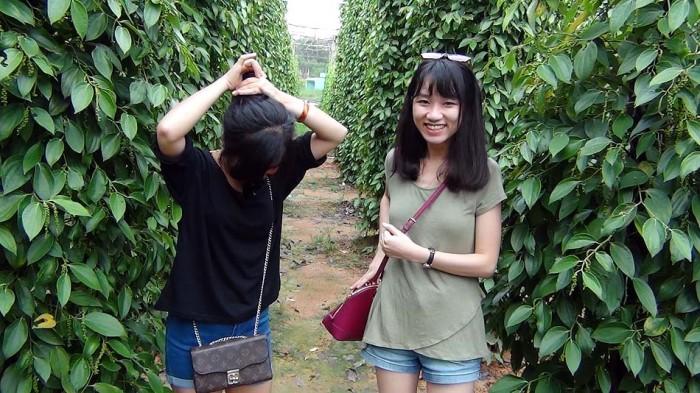 Tinhちゃん(左)、Ngaちゃん(右)、来年も家族同伴で旅行行きましょう!