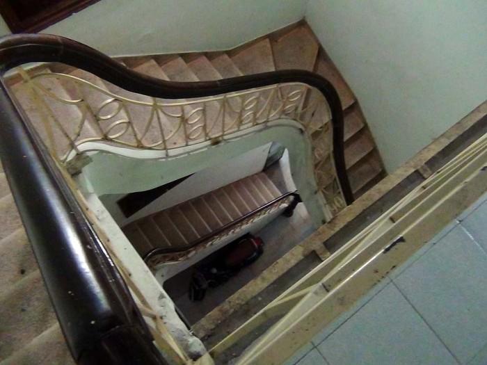階段で3階まで、そんなにきつい勾配ではありません