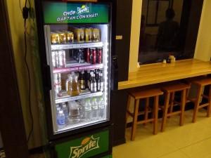 冷えた缶ビールが必ず1階で売っています