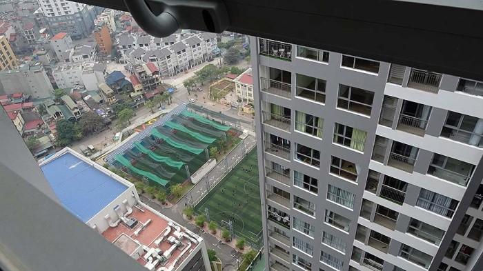 30階の高層階のアパート。見下ろされる圧迫感はありません