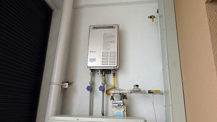 日本と同じガス湯沸かし器がありますので、熱いお湯が途切れることなく利用できます