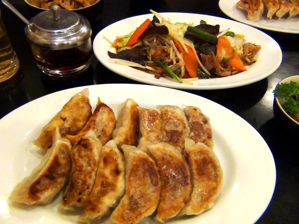 ギョーザと野菜炒めJPG
