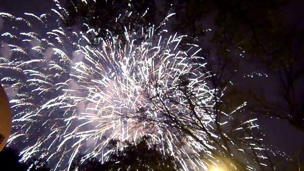 ハノイのホアンキエム湖での新年花火