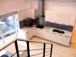 Golden Westlakeペントハウスのキッチン