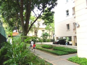 Sedona Suites(セドナスイート)敷地内の遊歩道