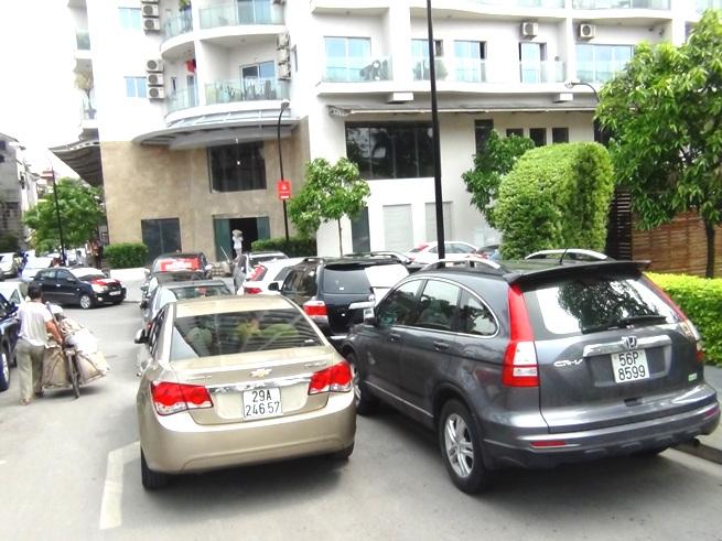 突然駐車料金を2倍に上げる管理会社とオーナーとの抗議合戦