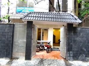 46 Linh Lang通り正門