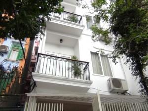 Pham Huy Thong 通り【新築】 正面