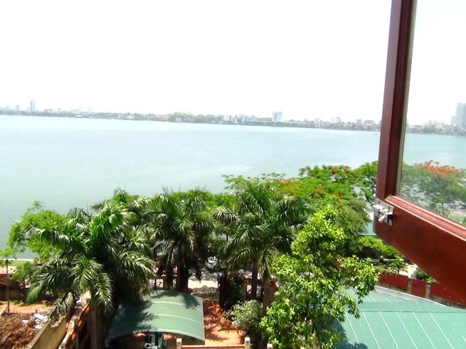 タイ湖の眺めの素晴らしいアパート