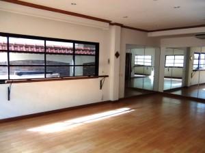 Oriental Palace(オリエンタルパレス)「奥様達がここでヨガ教室を開いています」