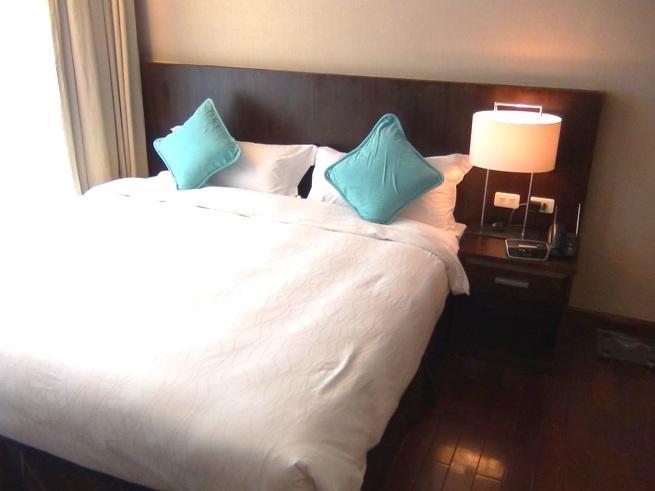 「Fraser Suites」2ベッドルームのメインベッド