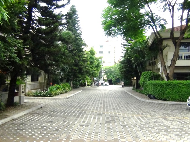 オリエンタルパレス敷地内の風景