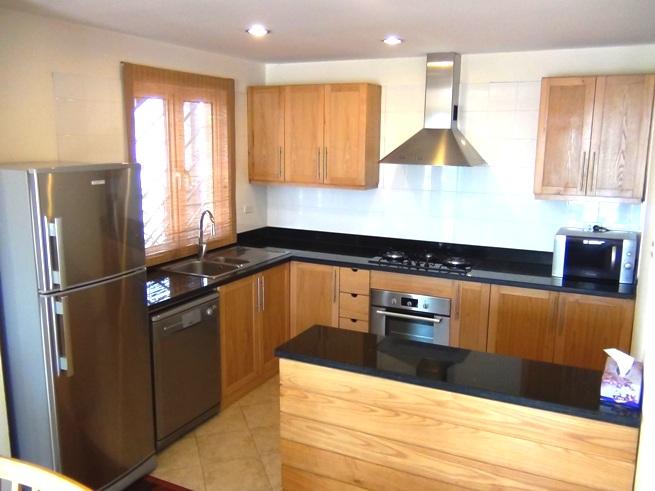 2ベッドルームのキッチン「食器洗浄・乾燥機、ビルトインオーブン」も標準装備です