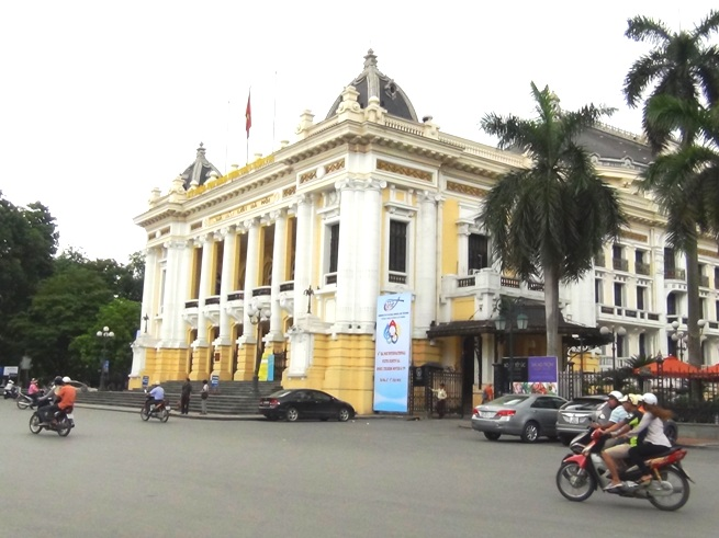 ハノイ「オペラ劇場」