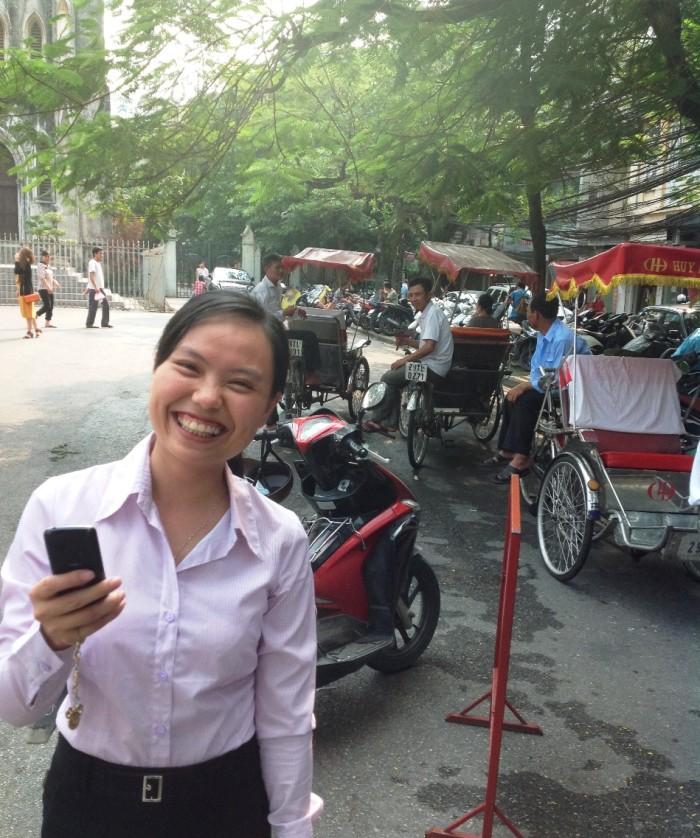 ベトナムハノイの美味しいもの好きのスタッフばかりです