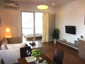 Hang Vai通りにある新築サービスアパートの1ベッドルーム