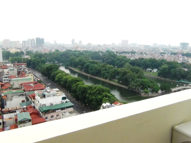 ベランダから見る風景「Kim Ma通りの16階は見晴らしが最高です」