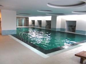 綺麗に清掃された気持の良い室内プールです