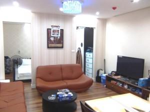 Ngo Thi Nham 通り【新築】の1ベッドルームのリビングスペース