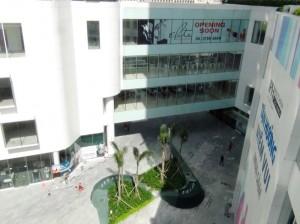 INDOCHINAは住居とオフィスと店舗の複合施設です