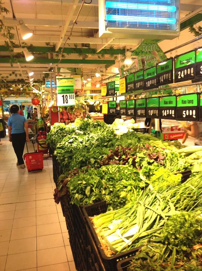 「Big C」地下一階の食料品売り場の風景