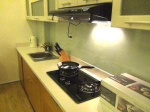 Studioタイプのキッチン「単身者には充分な設備です」