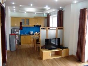 2ベッドルームのキッチンとダイニングスペース