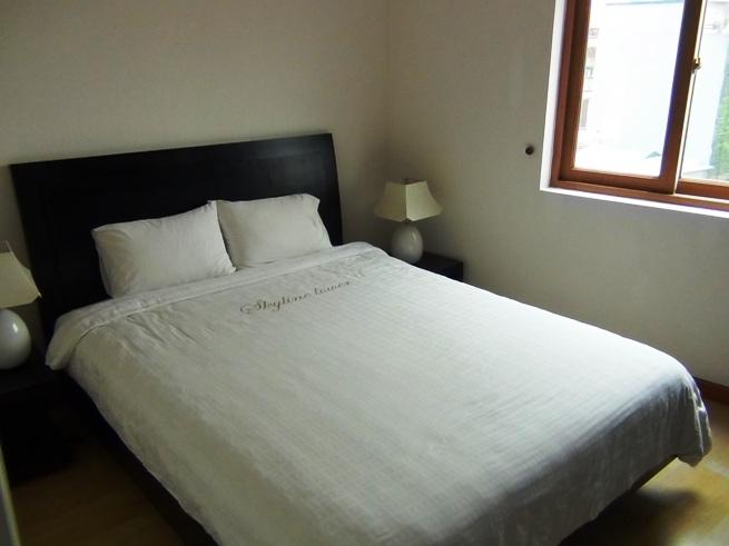 このベッドが1ベッドルームの標準サイズです