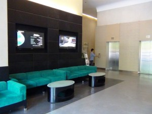 Pacific Placeオフィス棟の受付エントランス