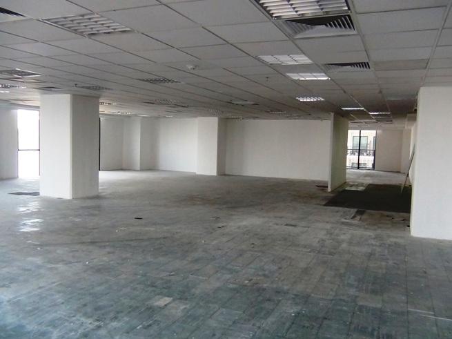 オフィススペースの最低区画割りは100㎡から